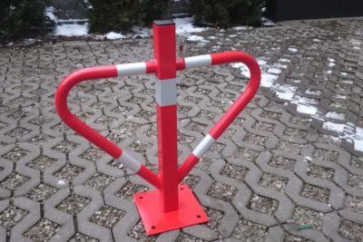 Blokada parkingowa ocynk na zamek, kolor czerwony