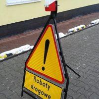 znak na stojaku