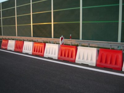 separator ruchu drogowego, separator drogowy, tymczasowy, separator drogowy