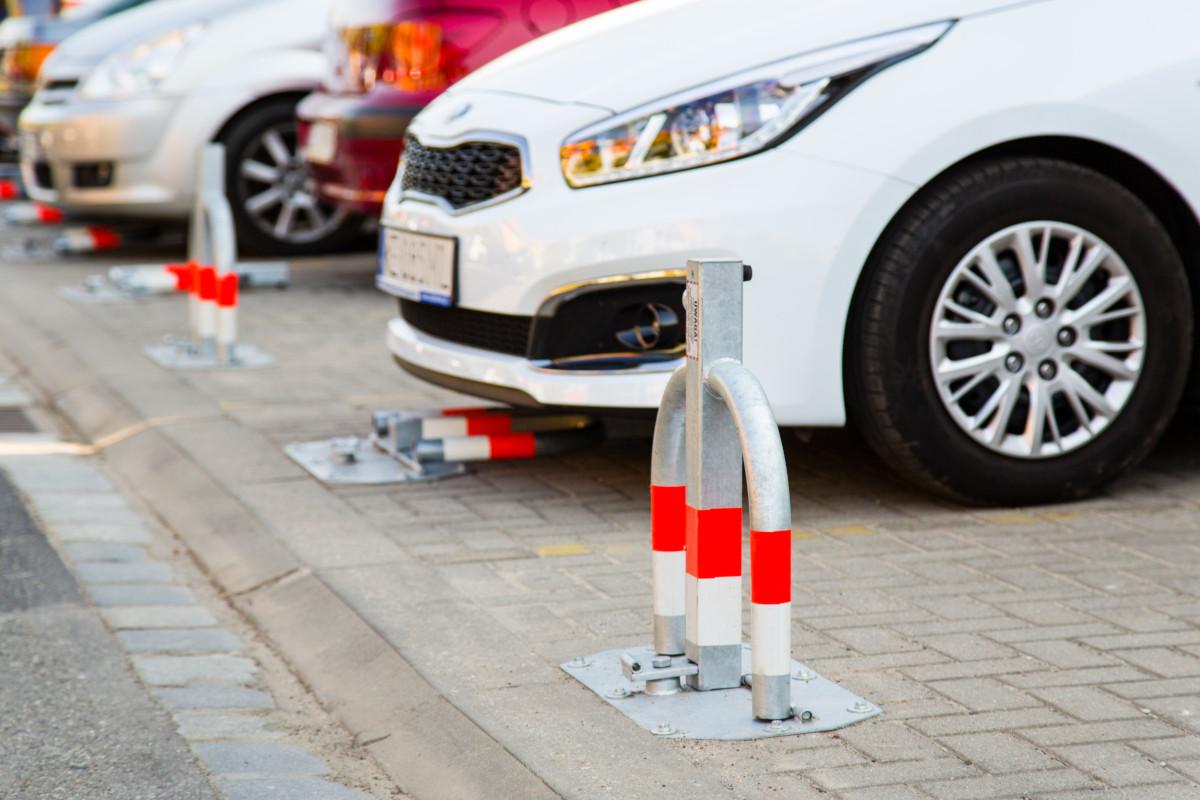 montaż-blokad-parkingowych-rotomat