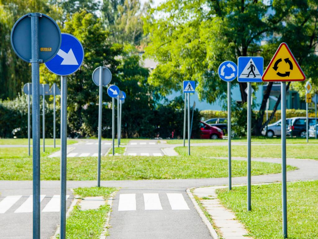 znaki-drogowe-producent-wroclaw-rotomat